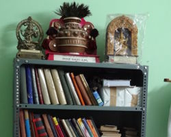 ಶ್ರೀಯುತ ಶರ್ಮರ ಗ್ರಂಥಾಲಯದ ನೋಟ