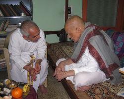ಆಪ್ತಶಿಷ್ಯ ಮಹಾಮಹೋಪಾಧ್ಯಾಯ ಆಸ್ಥಾನ ವಿದ್ವಾನ್ ಜಿ.ಮಹಾಬಲೇಶ್ವರ ಭಟ್ಟರೊಂದಿಗೆ